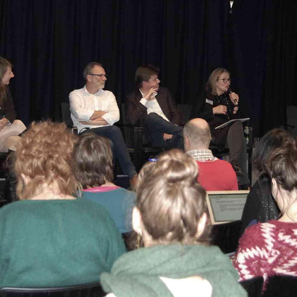 Panel op gastcollege over meertaligheid