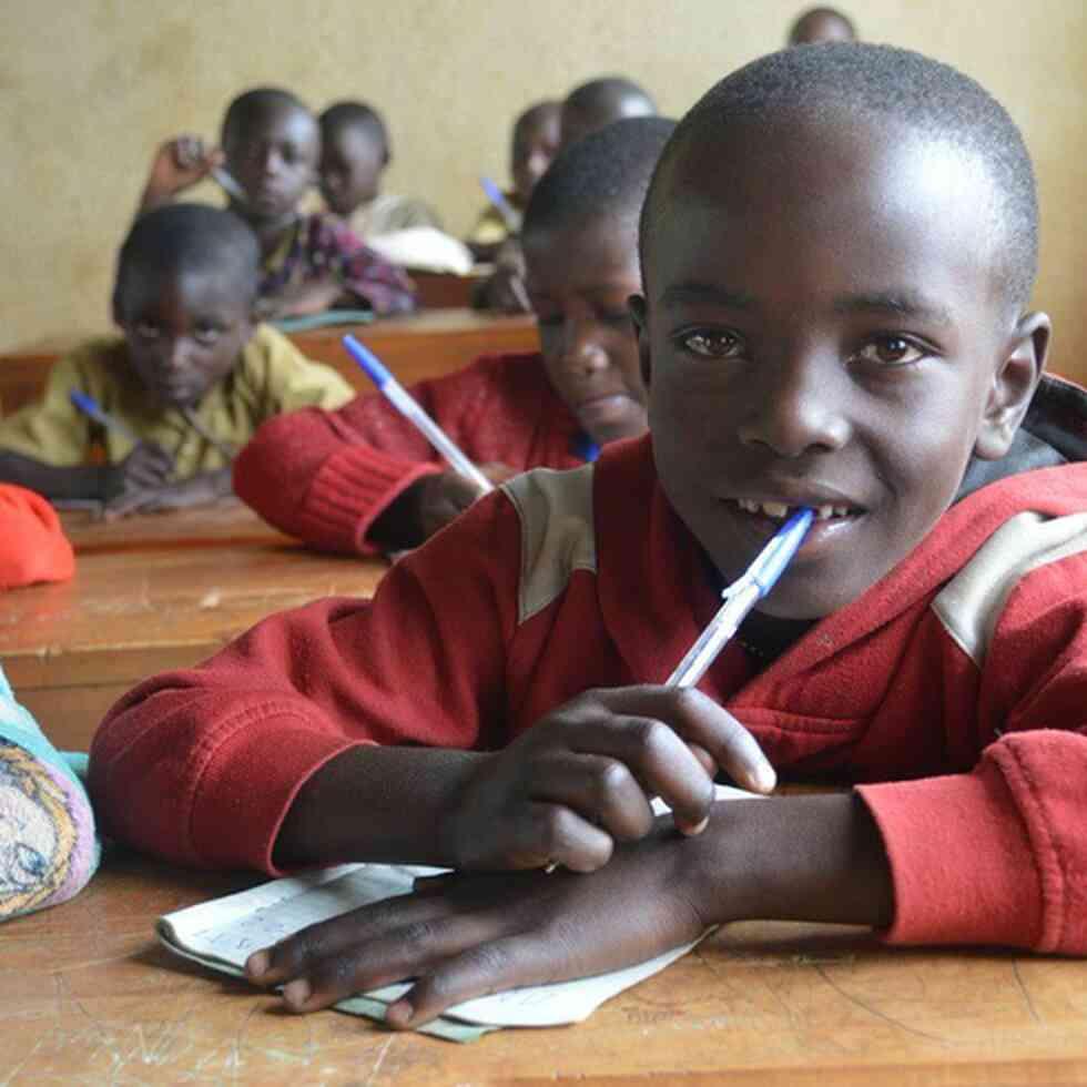 Child in class, VVOB